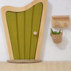 puerta-magica-verde-oliva-amatriuska